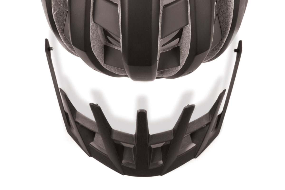 Super lightweight in-mould cycle helmet with removable visor (230g based on size S/M excluding visor)