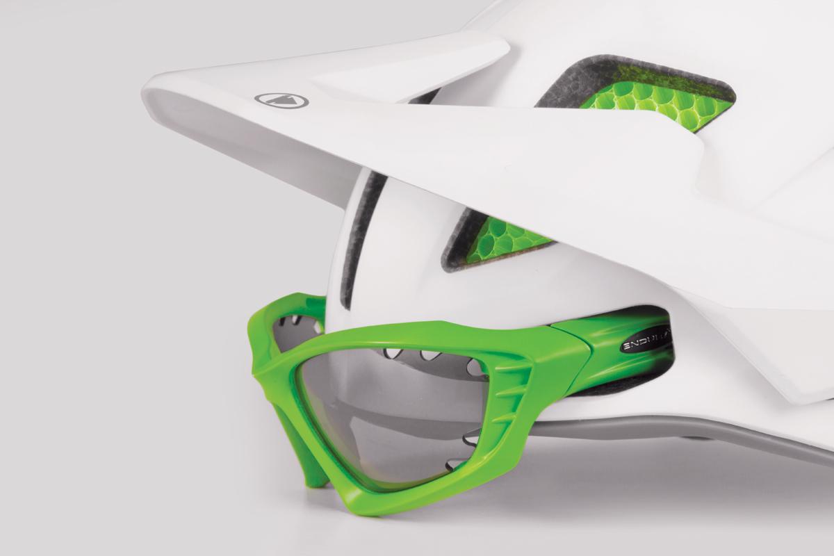 Front eyewear dock