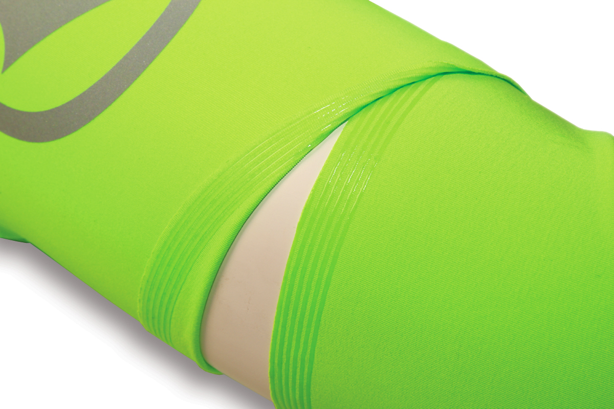Short sleeve construction with separate arm warmers for adaptable pro style protection