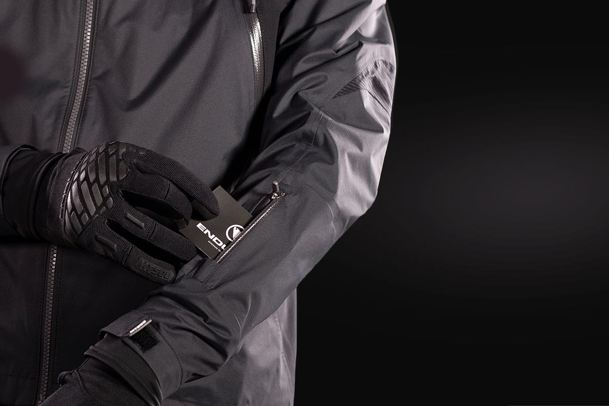 Front pockets doubling as vents, zipped lower hand pockets and sleeve pocket for lift pass