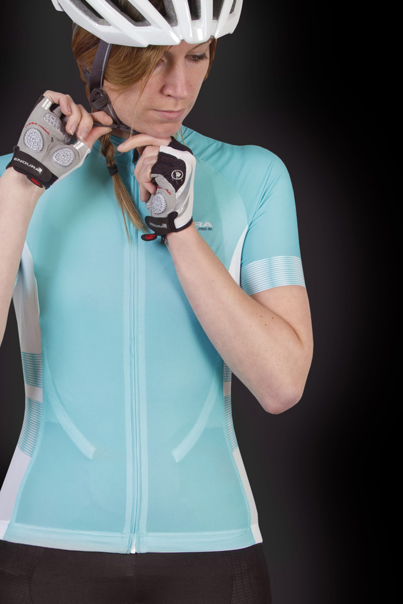 Extra fine, super light, rapid wicking mesh front fabric to keep you cool