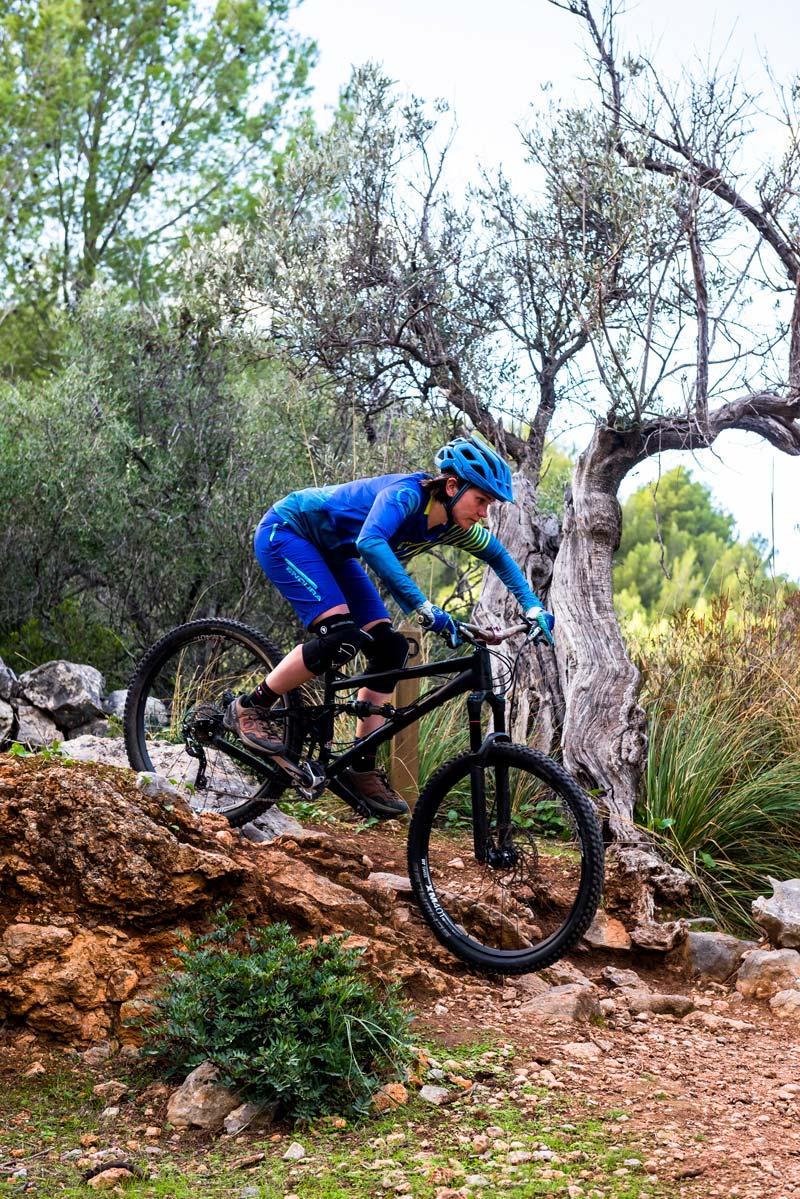Lightweight, Stretch Trail Performance