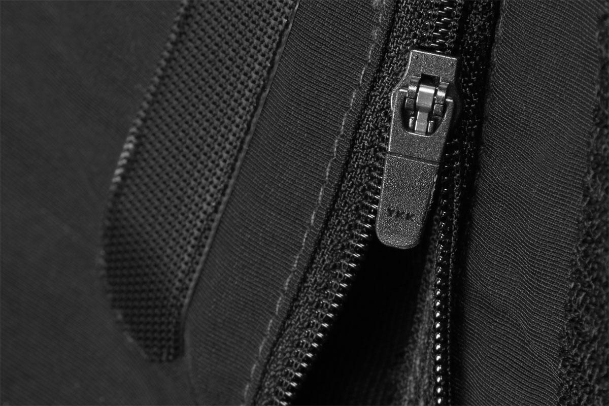 Ankle zip with hem adjustment