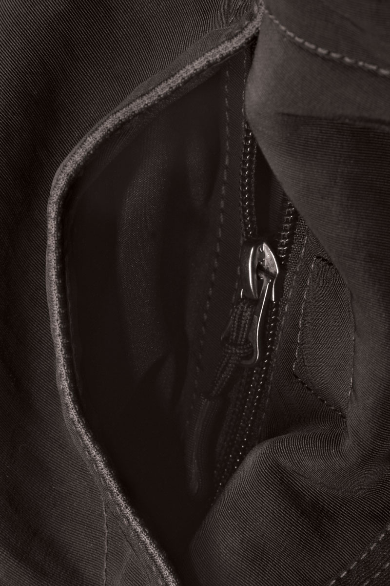 Front pockets with magnetic closure, zipped security pocket