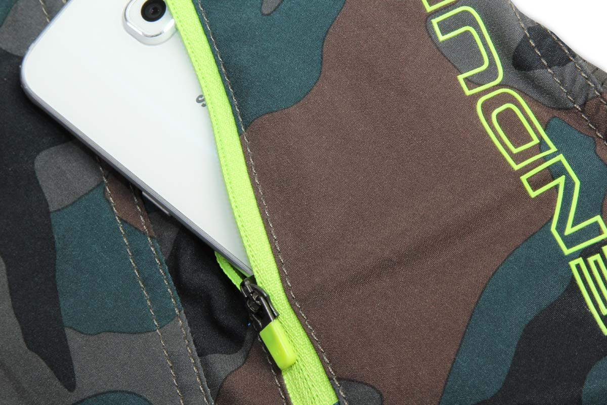 Hand pockets and zipped cargo pocket