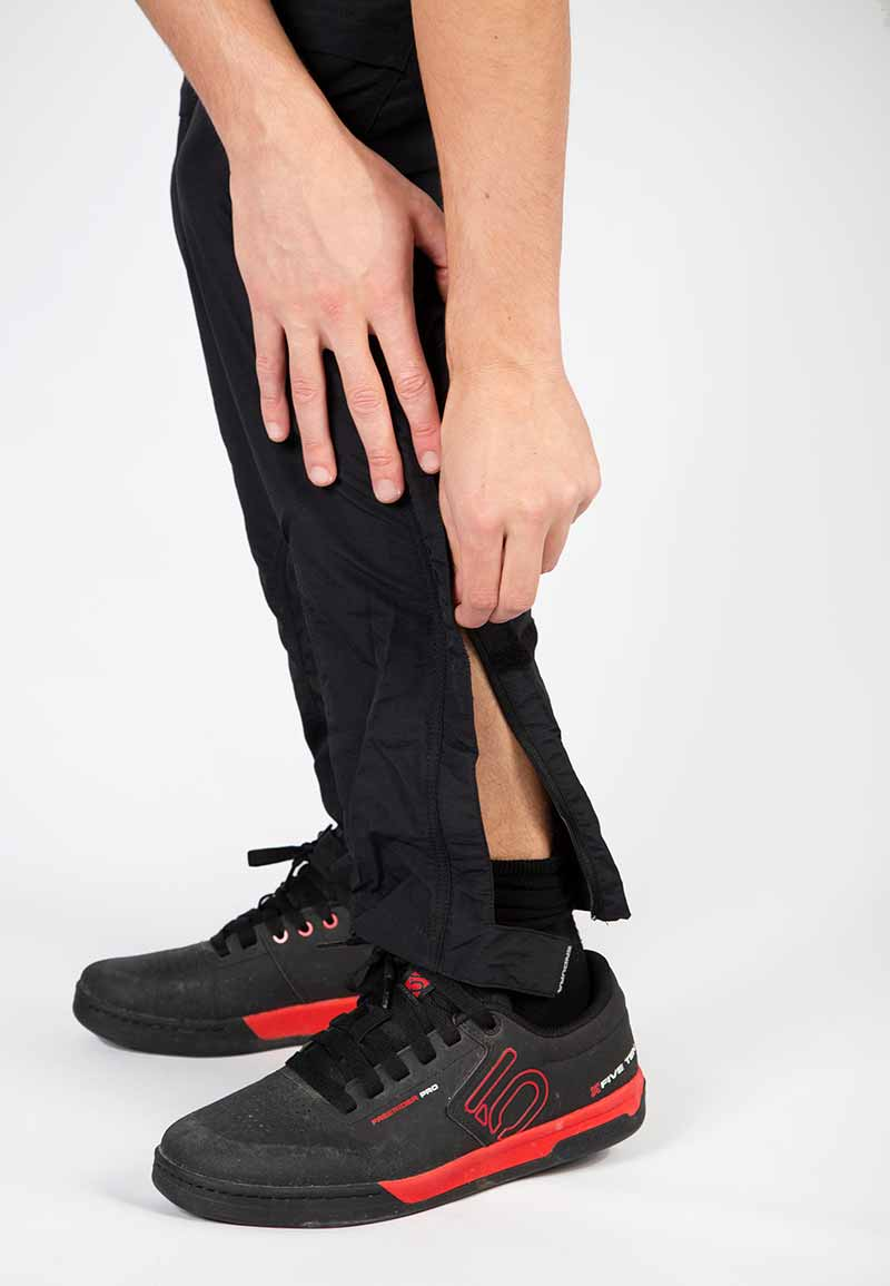 Extended ankle length zips with Velcro® ankle cinches