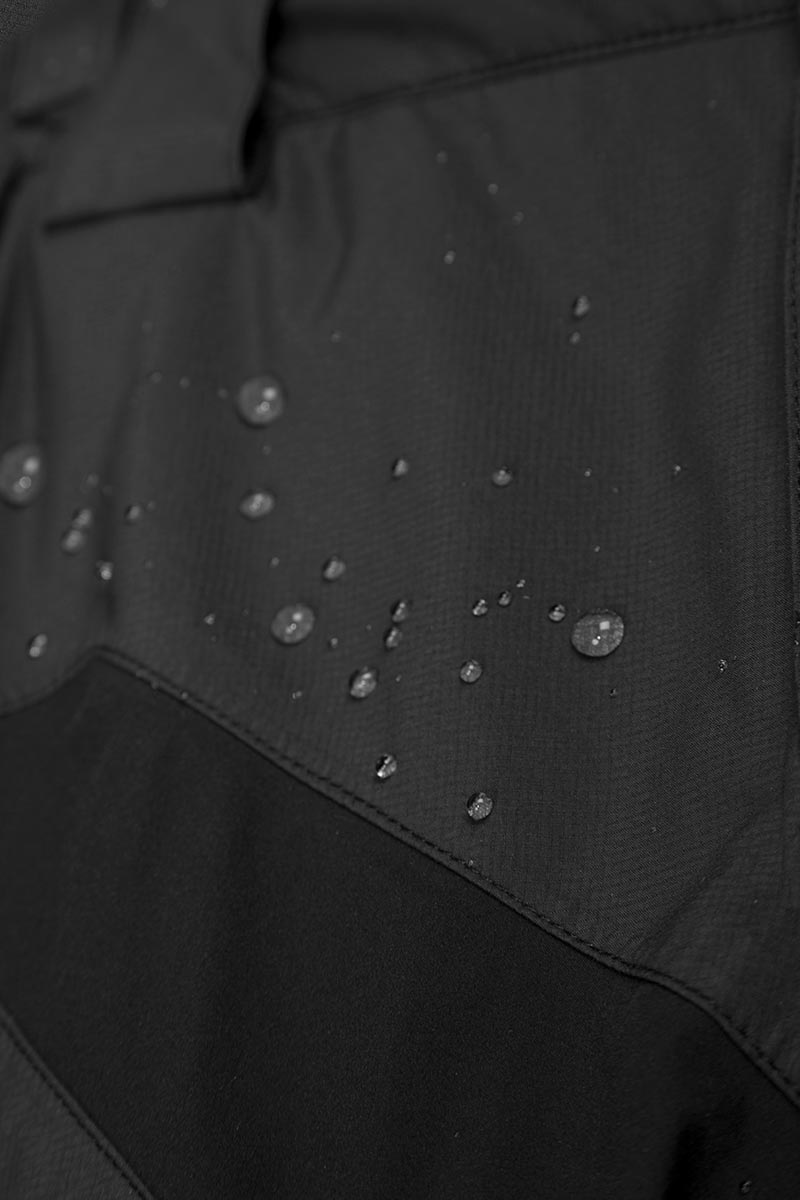 Exceptionally breathable ExoShell60™ 3-Layer waterproof fabric in a fully seam-sealed construction