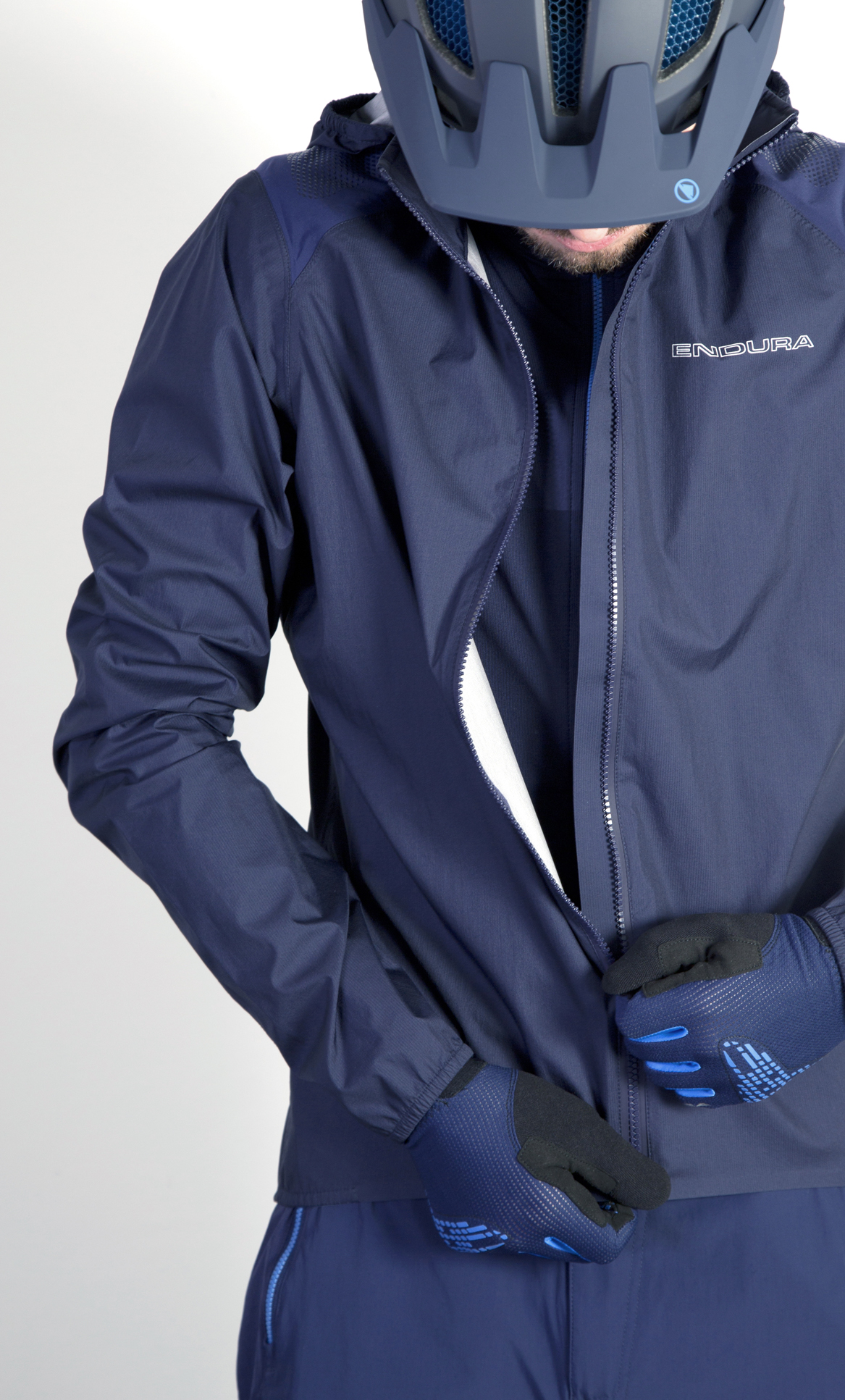 Fast and light - packable, waterproof protection