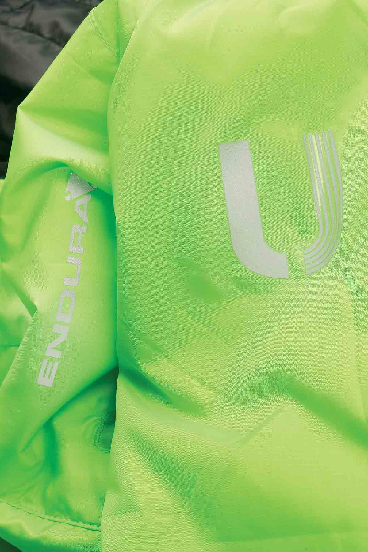Highly reflective print details and logos